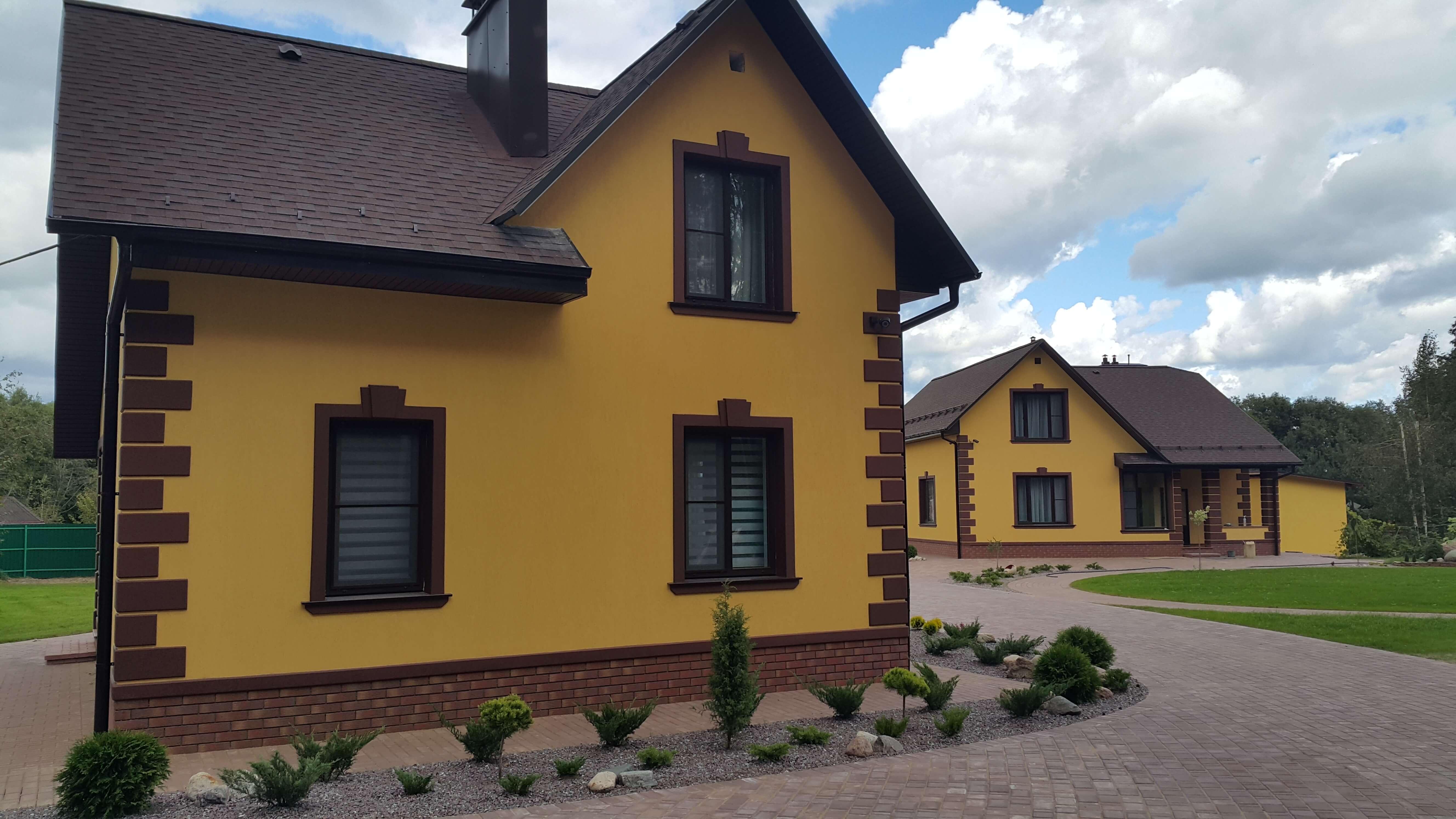 Фото домов покрашенных фасадной краской